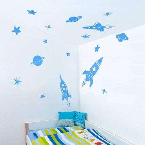 Adesivo de parede foguetes e planetas