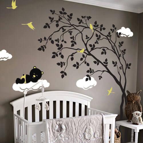 Adesivo de parede árvore, nuvens e ursinho