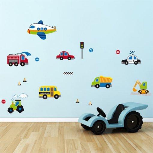 Adesivo de parede infantil carrinhos no trânsito