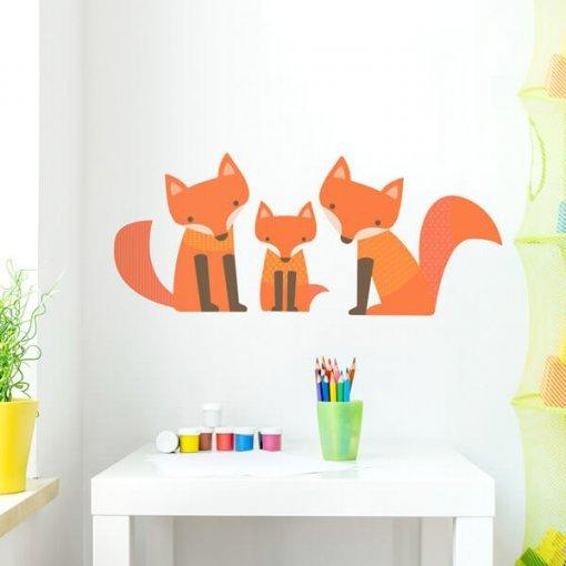 Adesivo de parede para quarto infantil família raposa