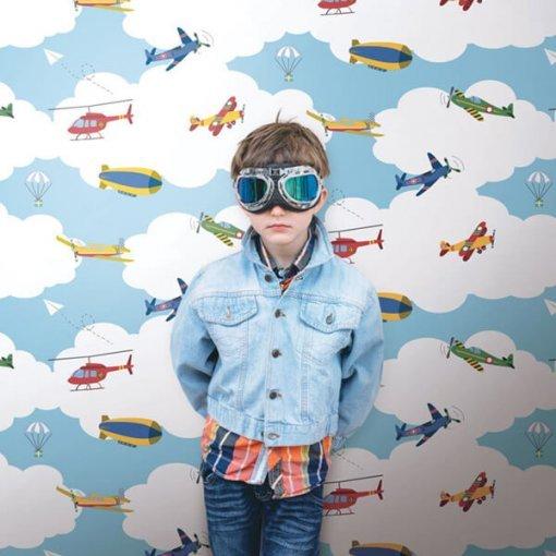 Papel de parede infantil aviões entre nuvens